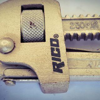 Ключ водопроводен Рико 250мм