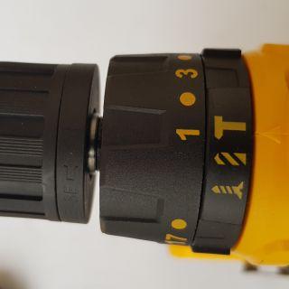 Ударно пробивен акумулаторен винтоверт 24V